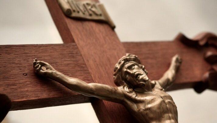 Salib Adalah Simbol Pengorbanan dan Kemenangan Bagi Umat Kristiani