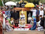 """Tradisi """"Nyubuk Majeu"""" yang Unik di Lampung"""