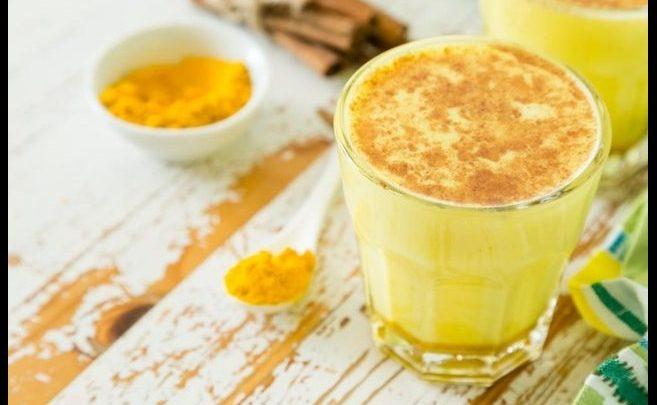 4 Khasiat Susu Kunyit untuk Kesehatan