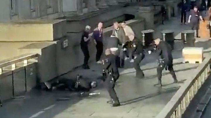 Aksi Terorisme di London Bridge: 2 Warga Tewas Ditusuk, 3 Terluka