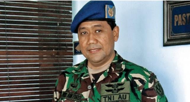 Selain Tentara Berpangkat Letnan Kolonel, Pria Ini Adalah Seorang Pastor