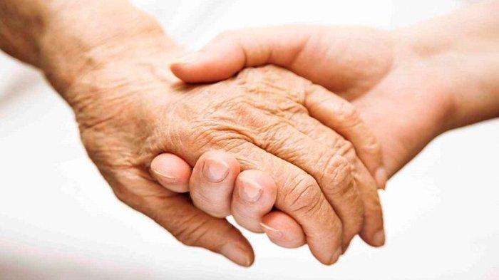 Terpaut Usia 47 Tahun, Duda di Ponorogo Nikahi Nenek 76 Tahun