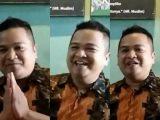 Azis, pemilik warung bakso granat di Palembang yang tantang Jendral Idham Azis. (Sumber: YouTube).