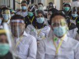 Peserta mengikuti ujian Seleksi Kompetensi Bidang (SKB) Calon Pegawai Negeri Sipil (CPNS) di Surabaya, Selasa (22/9/2020). (Sumber: KOMPAS.com).