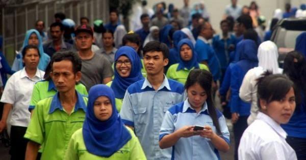 Resmi, Jokowi Teken PP 36 Tahun 2021, Upah Per Jam untuk Pekerja, Begini Skemanya