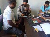 Pemilik akun Facebook saat diintrogasi pihak kepolisian(Sumber: KOMPAS.com).