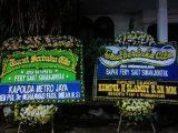 Karangan bunga dari Kapolda Metro Jaya Irjen Fadil Imran terpajang di rumah duka Fery, korban penembakan Bripka CS. (Sumber: detikcom).