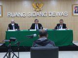 Dewan Pengawas KPK menggelar sidang putusan pelanggaran kode etik pegawai KPK di Gedung KPK C1, Jakarta, Kamis (8/4/2021). (Sumber: Humas KPK).