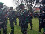 Komandan Resor Militer 061/Suryakencana Brigjen Achmad Fauzi melepas pasukan Yonif 315/Garuda dalam operasi Pamrahwan Papua, Minggu, 23 Mei 2021. (Sumber: BERITASATU).