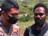 Mantan anggota KKB Papua pimpinan Purom Wenda, Delison Talenggeng (kanan) (Sumber: Instagram/@arief.fajar_satria).