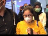 Dokter Lois Owien keluar dari ruang penyidik Ditreskrimsus Polda Metro Jaya, Senin (12/7/2021) pukul 18.58 WIB. (Sumber: KOMPAS TV)