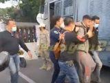 Potongan video insiden antara anggota Paspampres dengan petugas PPKM saat penyekatan di Jalan Daan Mogot, Jakarta Barat (Sumber: REQnews.com).
