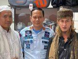 (Kiri ke kanan) Ryan Jombang, Kalapas Gunung Sindur, dan Habib Bahar bin Smith (Sumber: dok. Humas Ditjenpas Kemenkumham)