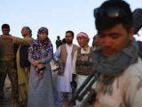 Foto: Salima Mazari saat berada di garis terdepan melawan Taliban (Sumber: AFP).