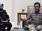 Foto: Walkot Tanjungpinang, Rahma (kiri) dan suaminya (kanan) (Sumber: ANTARA).